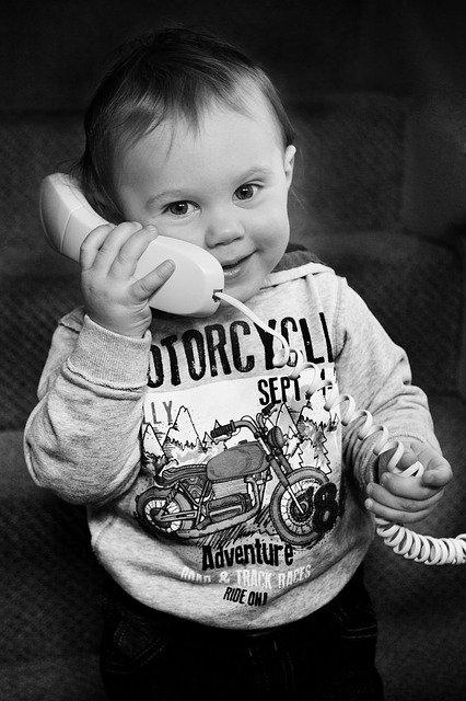 電話と子供