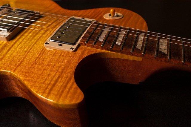 ギターフレイム